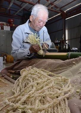 竹製火縄職人