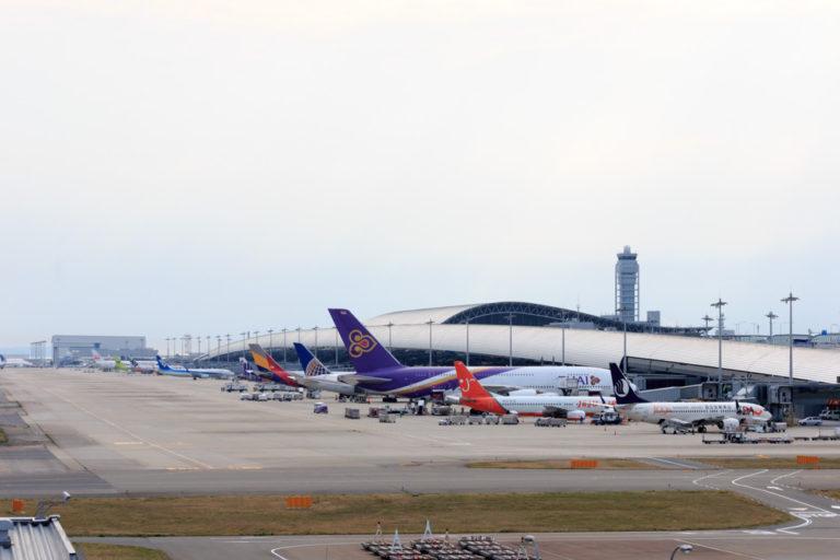 関西空港飛行機イメージ