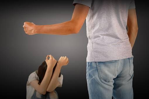 【名張市】障害者施設で虐待、職員が入所者に暴行し怪我